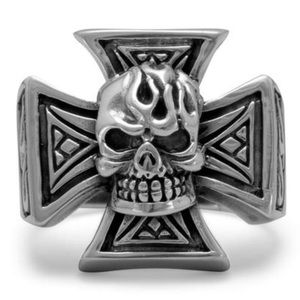 Oxidized Maltese Cross And Skull Ring